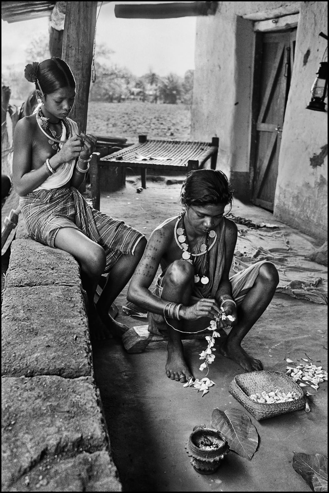 Bastar, 1984 Photograph, 2019 Limited Edition Individual Print : 15 x 22 inches (3 editions), ₹ 10,000 Available in a portfolio of 5 Photographs : 17 x 11.5 inches (19 editions), ₹ 40,000