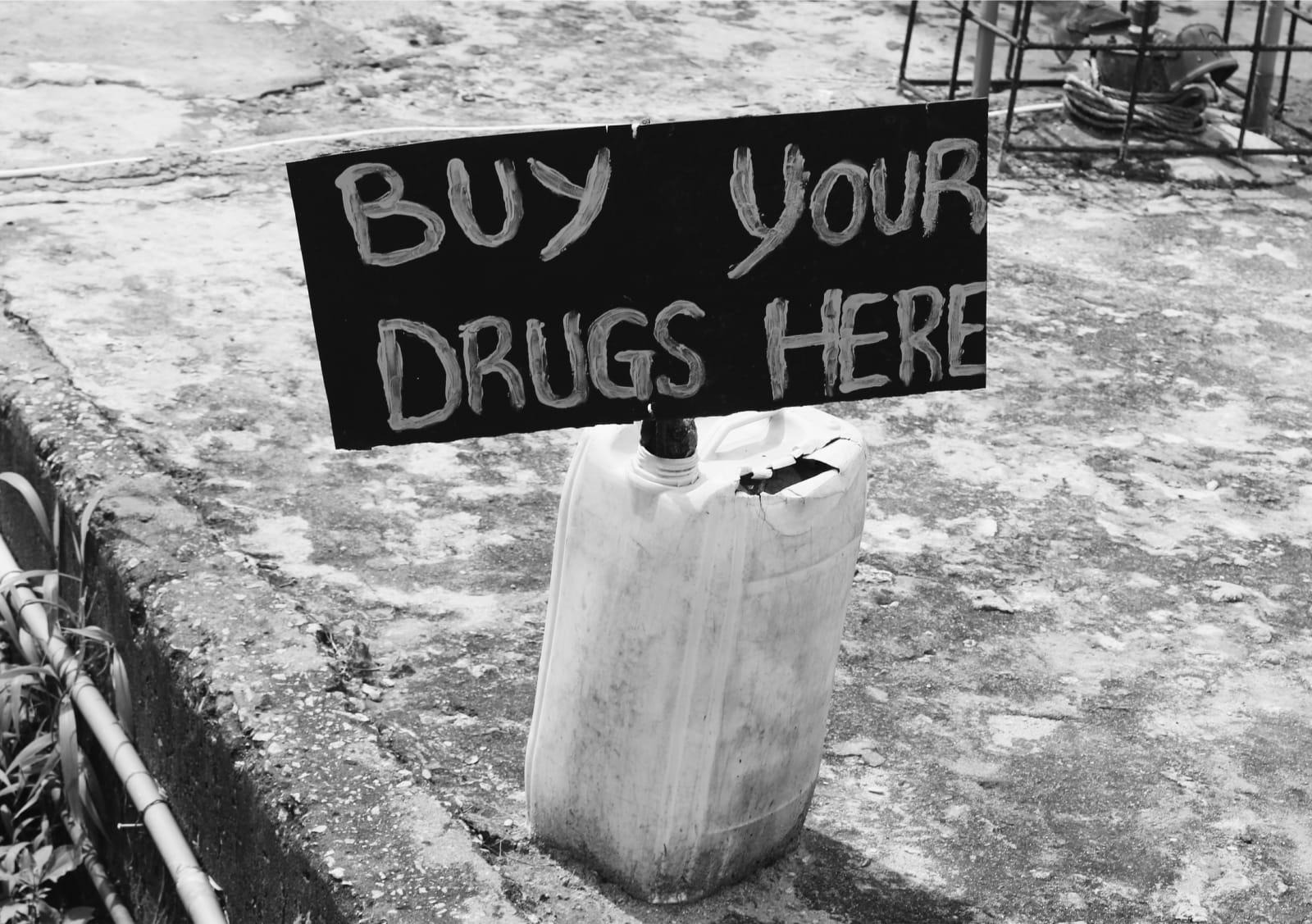 Arinzechukwu Patrick Buy your drugs here 59.4 x 39.59 cm 39.73 x 28 cm 29.7 x 19.8 cm Digital print