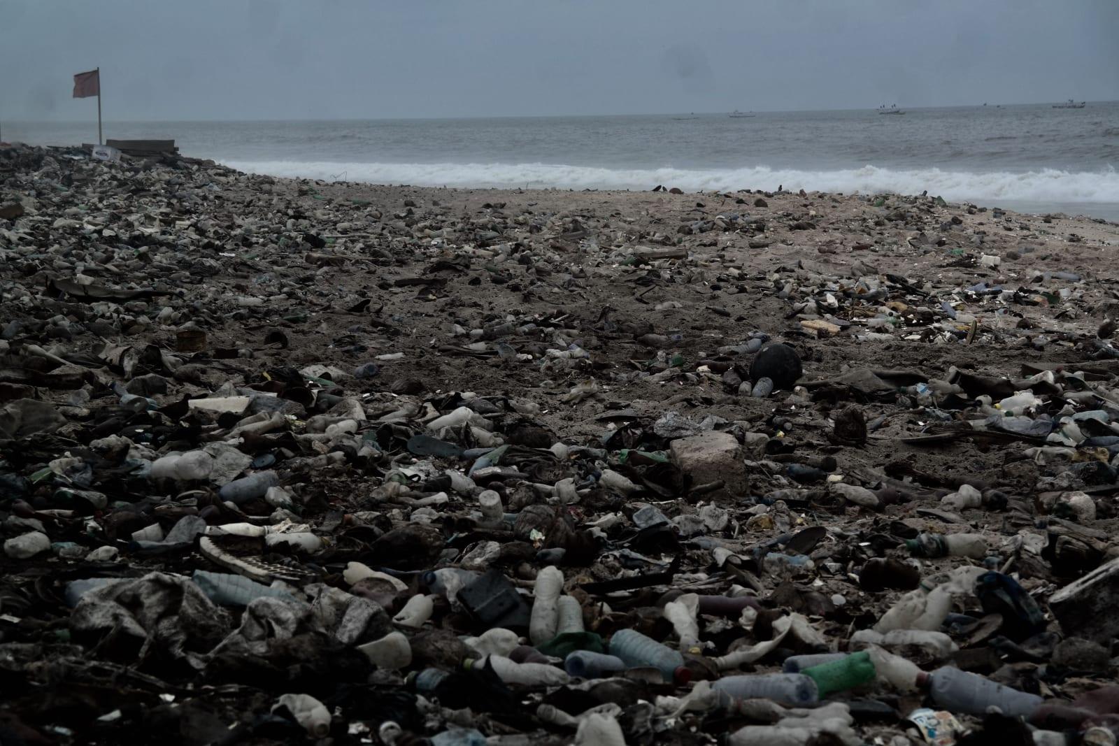 Latifah Iddriss treasures at shore ii (inside earth) 42 x 27.67 cm 14.8 x 21 cm Digital print