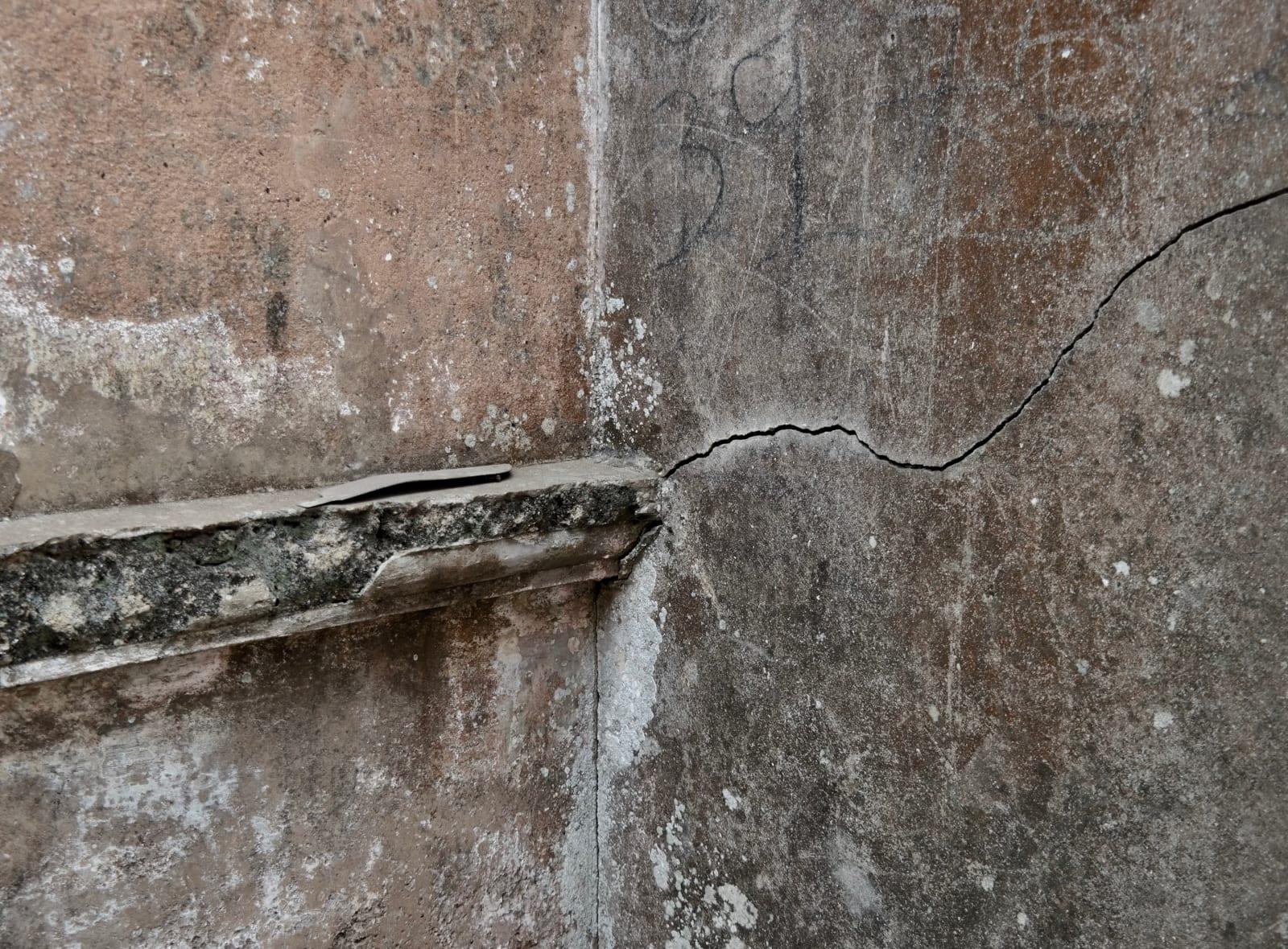Latifah Iddriss Whispers in dying places ii (inside earth) 42 x 27.67 cm 14.8 x 21 cm Digital print