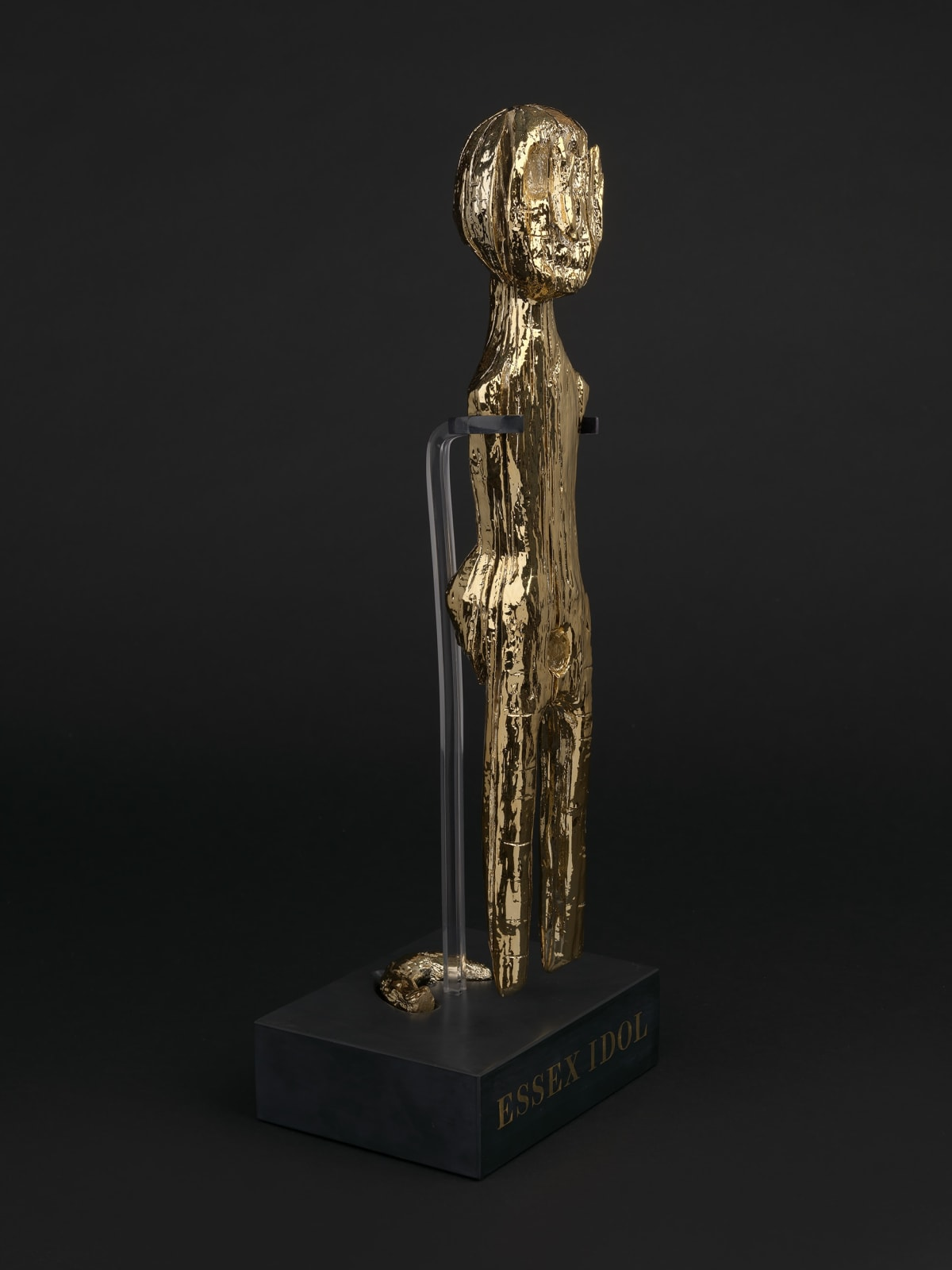 Tabletop Idol, 2021, polyester resin, 23ct gold, PETG, welsh slate, 57 x 20 x 17 cm