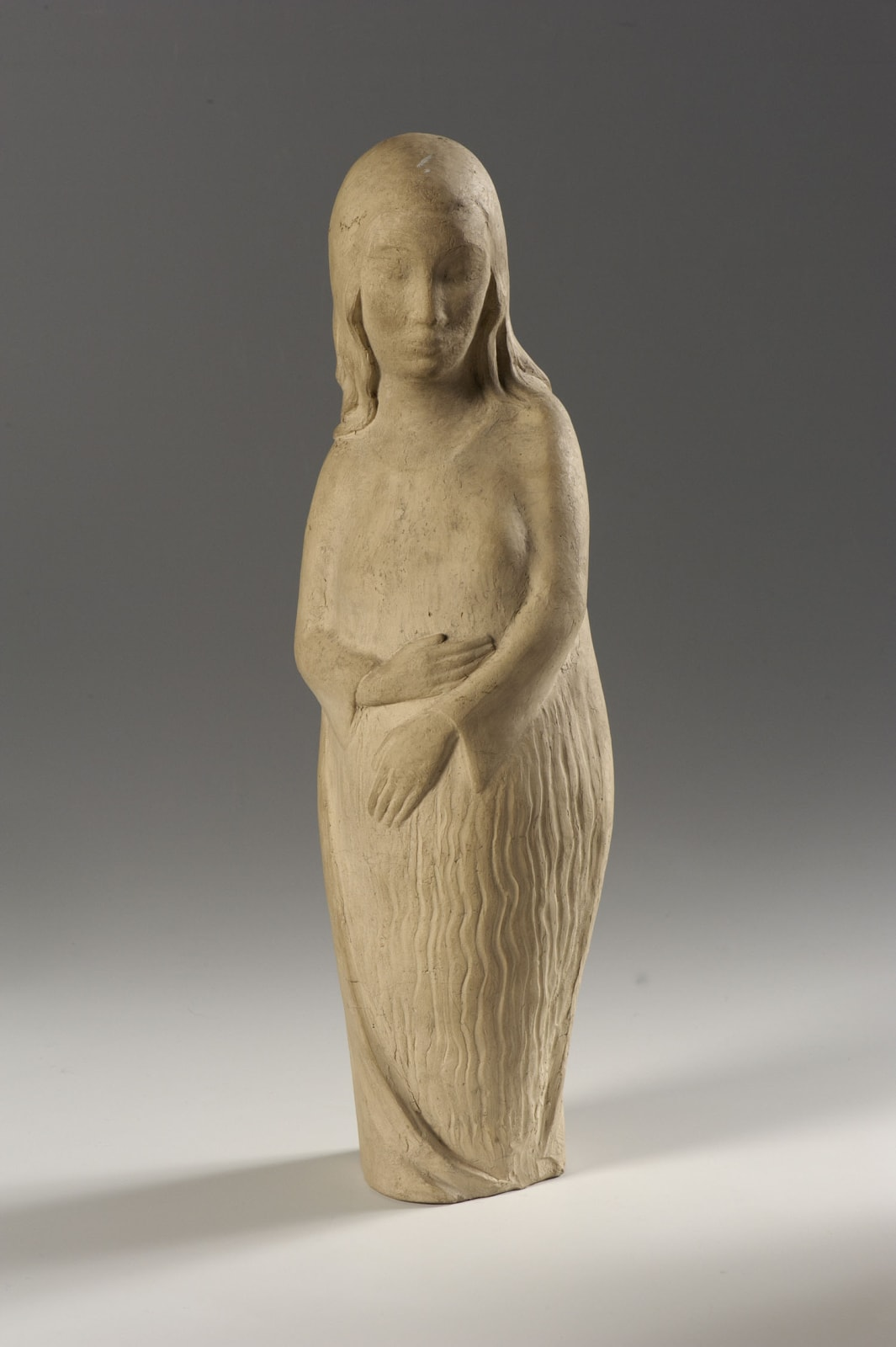 Erna Nonnenmacher (1889-1980) Maternity n.d. Plaster 41 x 13 x 8.5 cm Ben Uri Collection © Erna Nonnenmacher estate To see and discover more about this artist click here
