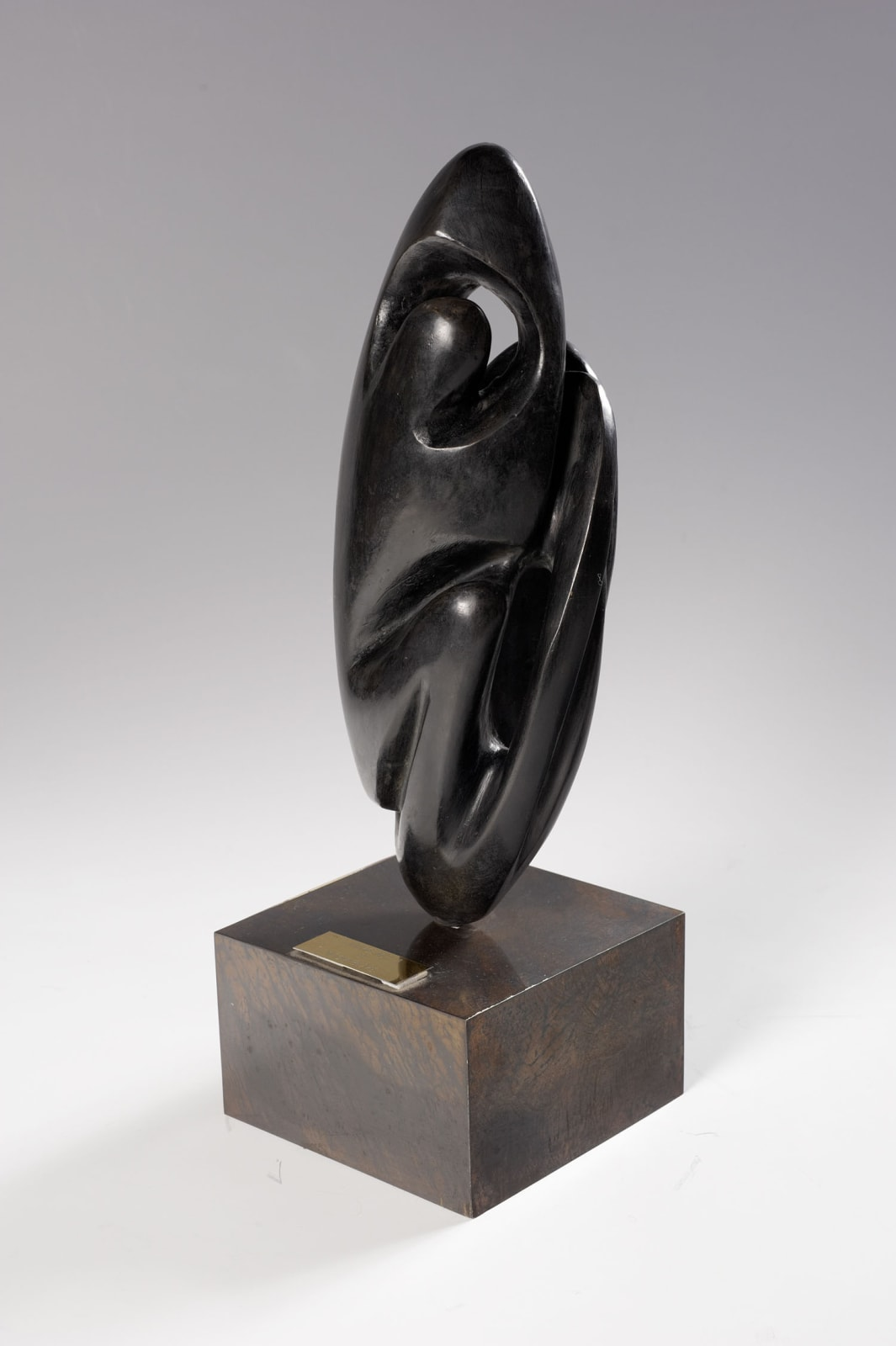 Naomi Blake (1924-2018) Emergence-A 1987 Bronze with copperplate base 37 x 12 x 8 cm Ben Uri Collection © Naomi Blake To see and discover more about this artist click here