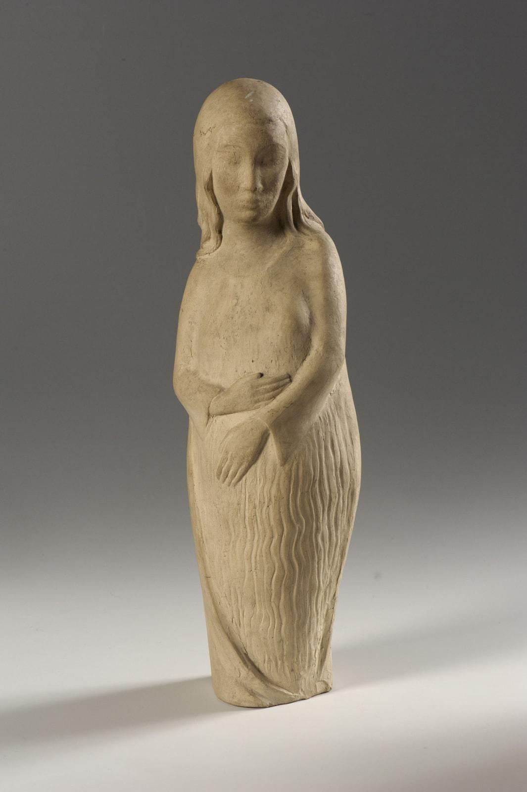 Erna Nonnenmacher (1889-1980) Maternity n.d. Plaster 41 x 13 x 8.5 cm Ben Uri Collection © Erna Nonnenmacher estate