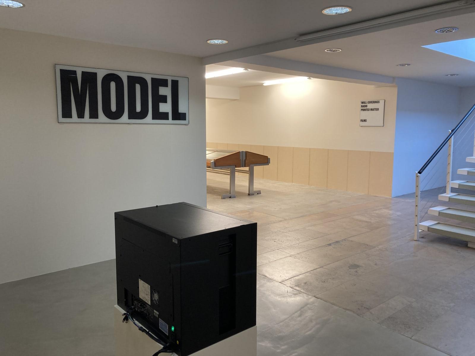 Installation view: Souterrain, Christopher Williams, Kochgeschirr (Adapted for Use), Capitain Petzel, Berlin, 2021