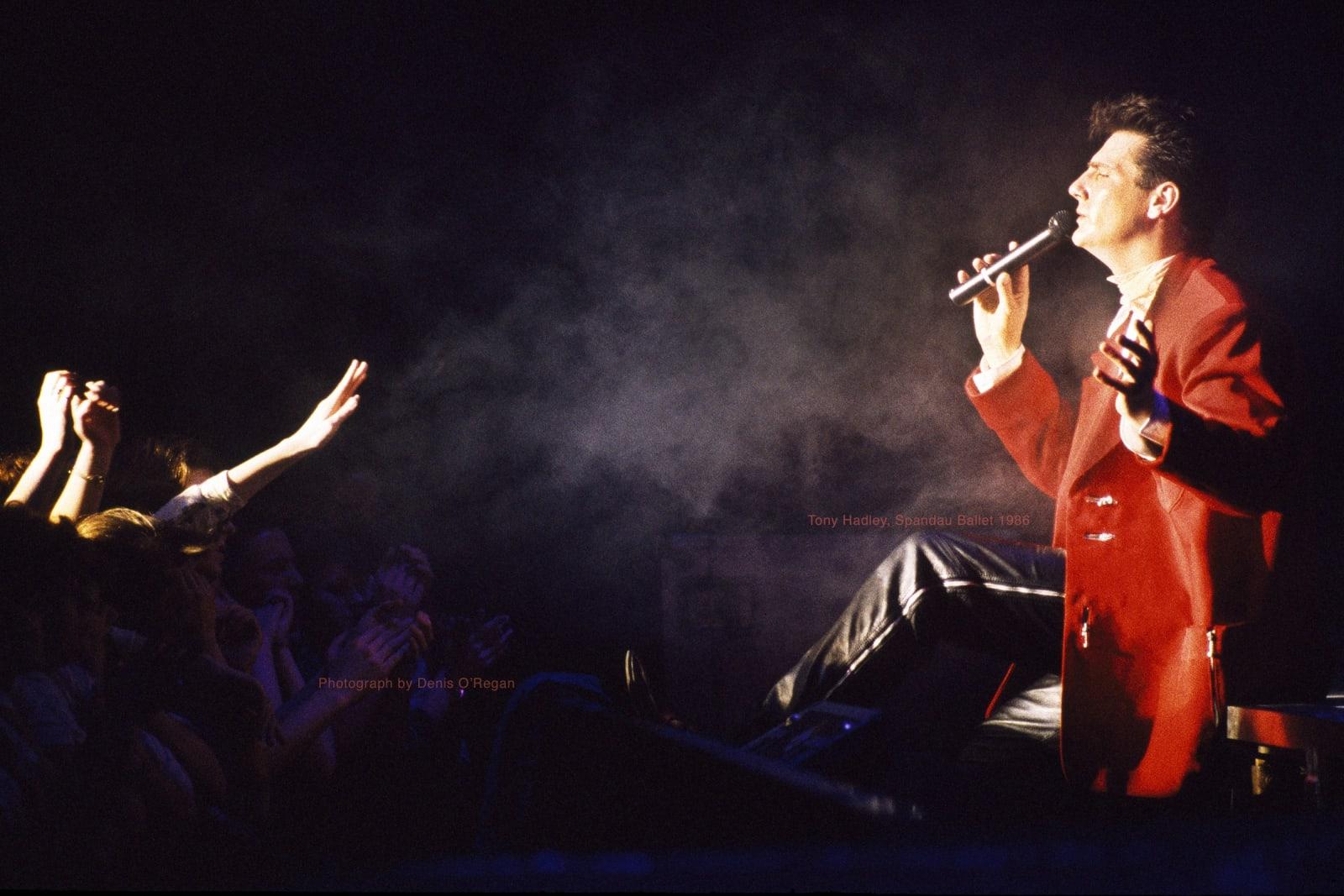 SPANDAU BALLET, Tony Hadley on stage, 1986