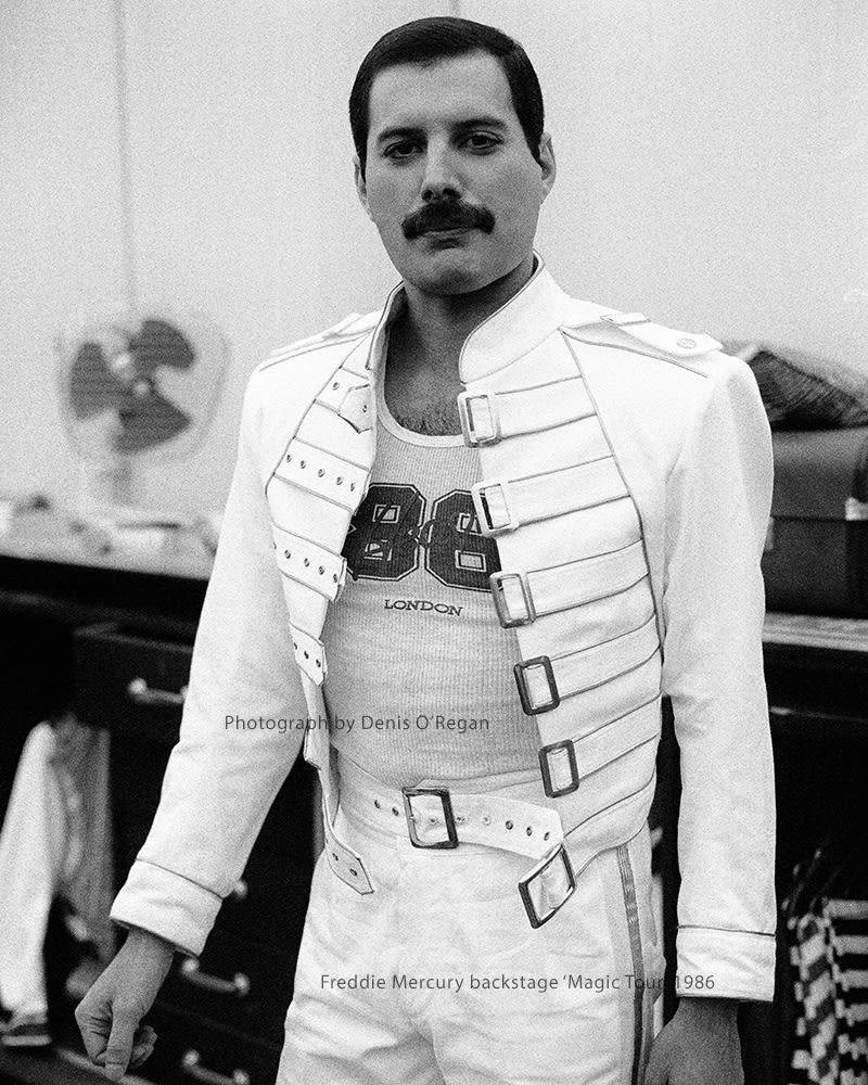 QUEEN, Freddie Mercury Backstage, 1986