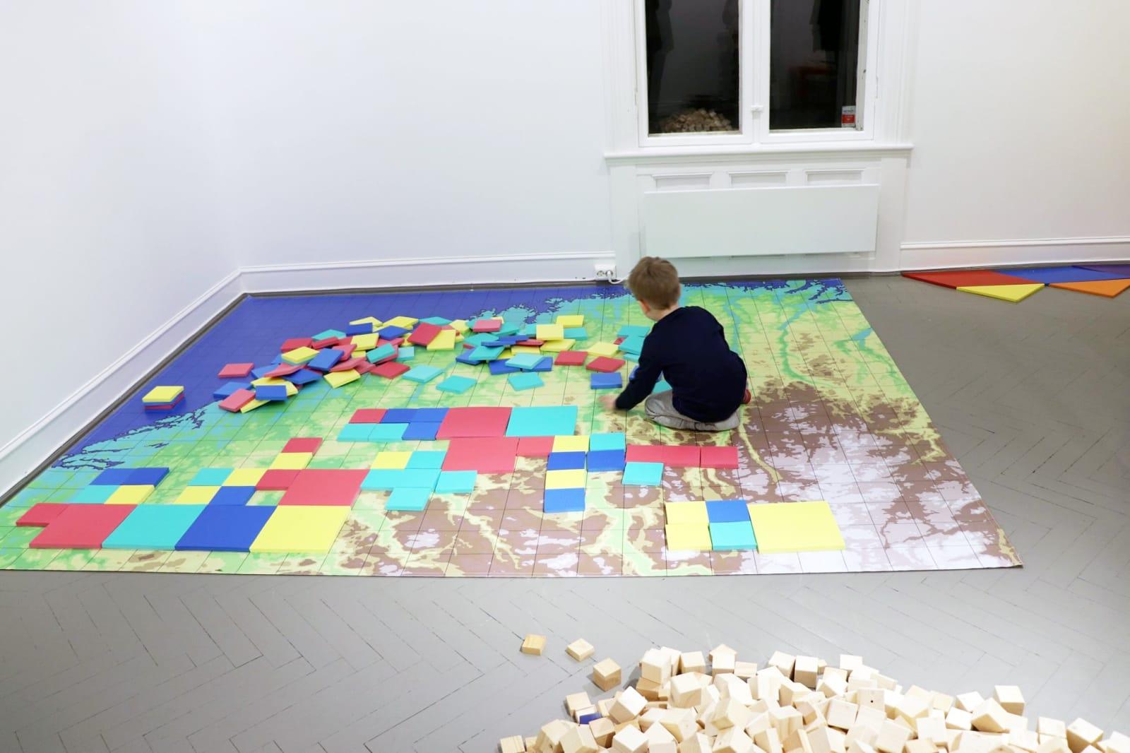 Fröbel Studio: Institutt for kreativitet & The Montessori Glass Classroom