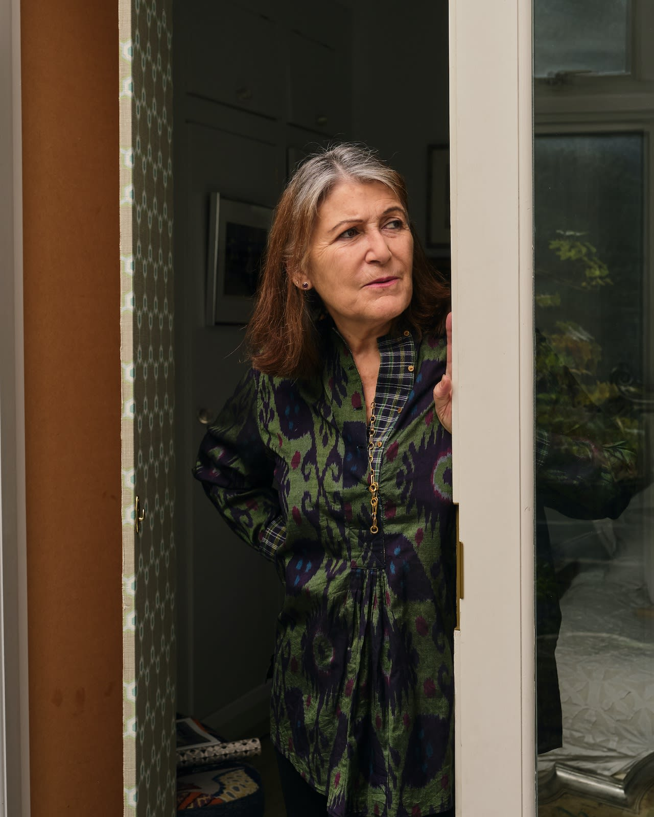 Christine talks to us in the greenhouse about Anne Leibovitz taking her portrait in her New York loft