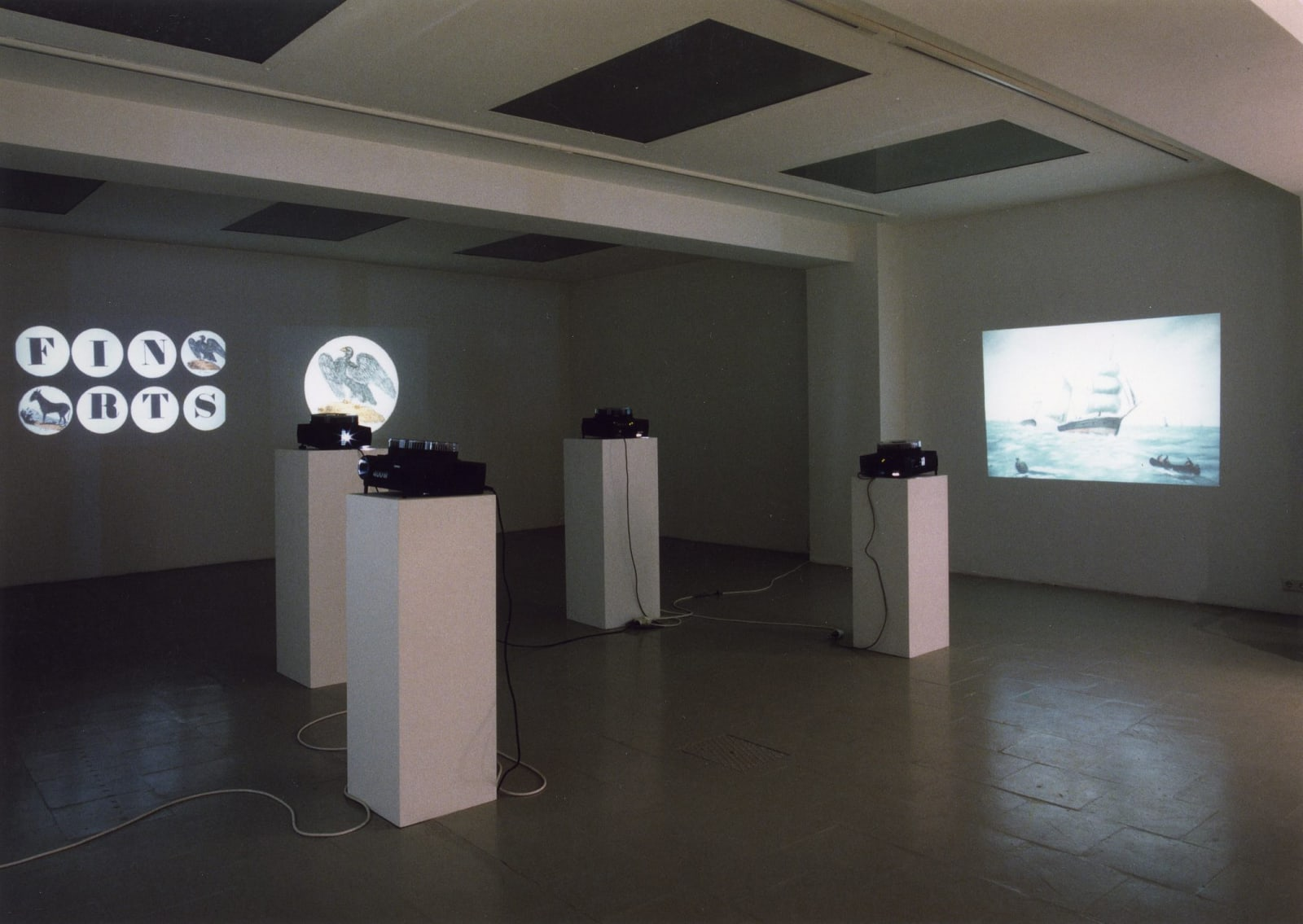 Marcel Broodthaers, Projections, 1970-1974, Exhibition view, 6 December 1997 – 31 January 1998, Erna Hecey Gallery, Luxembourg, Photo © Patrick Mueller