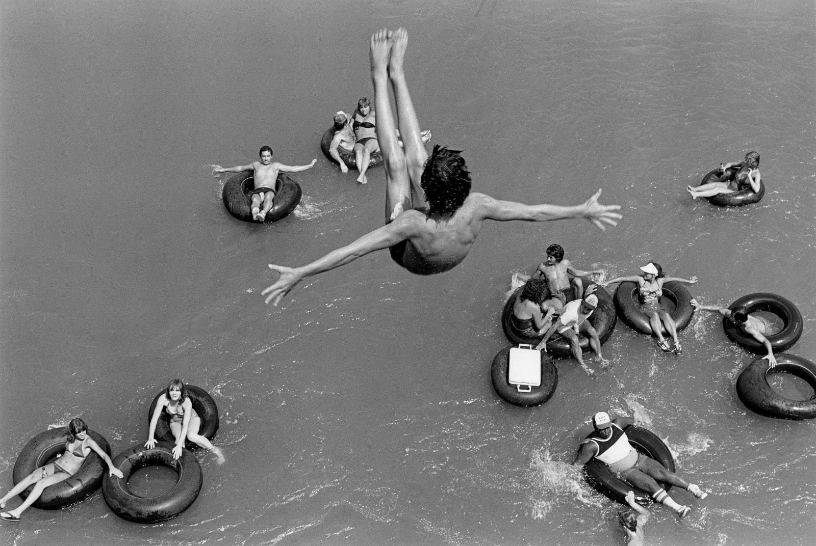 David Hurn - Tubing on the Salt River, USA, 1980