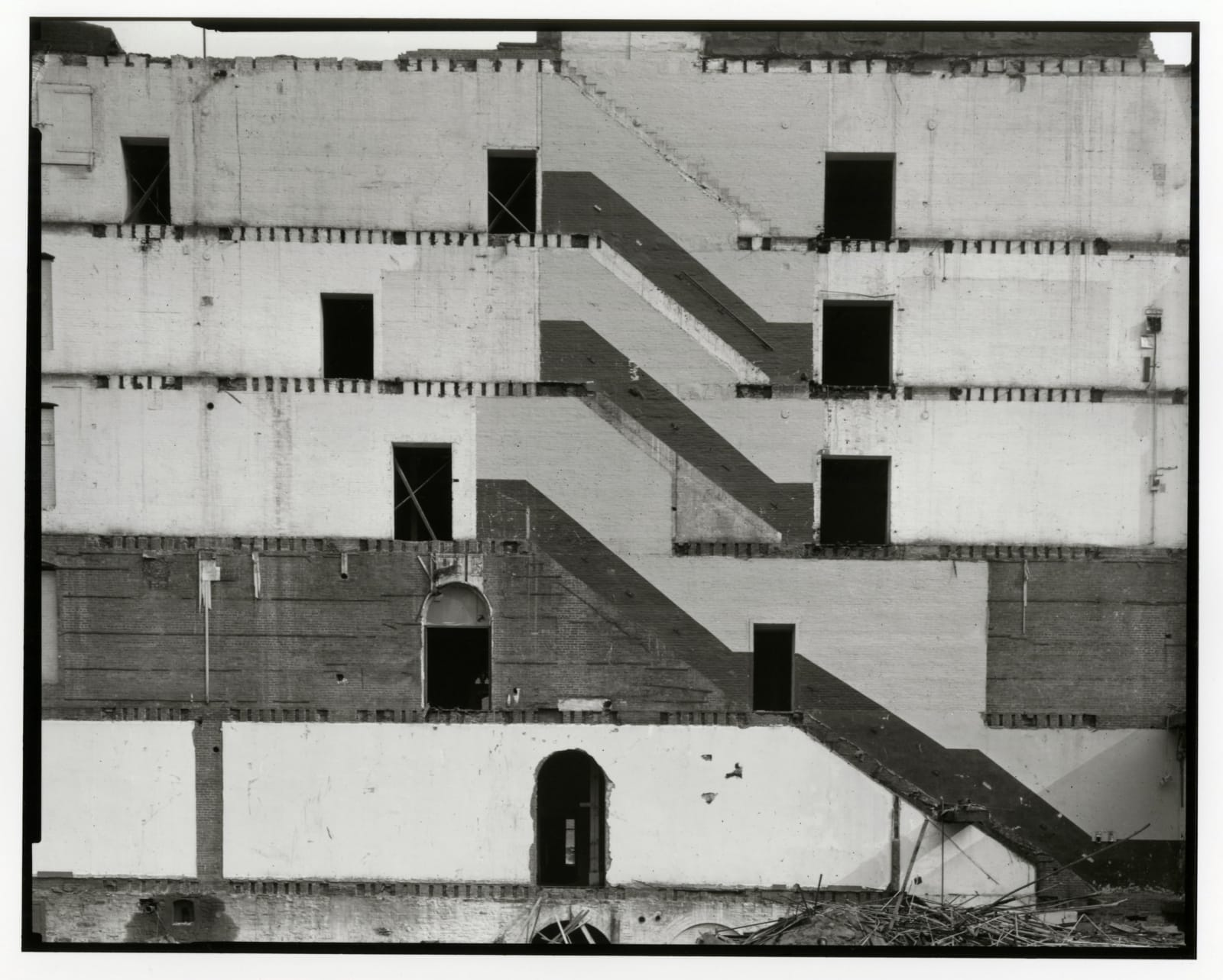 Danny Lyon - Wall Of The St George Building, Lower Manhattan, 1967