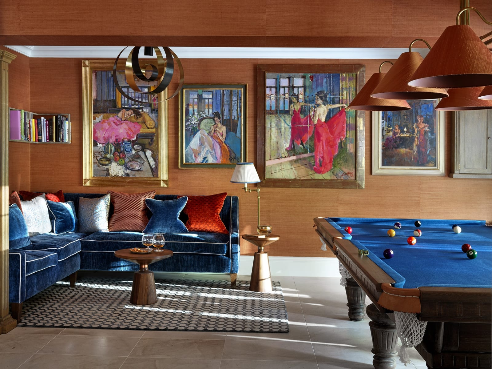Original paintings by the famous Venetian artist Geoffrey Humphries are the centrepiece for this lively games room