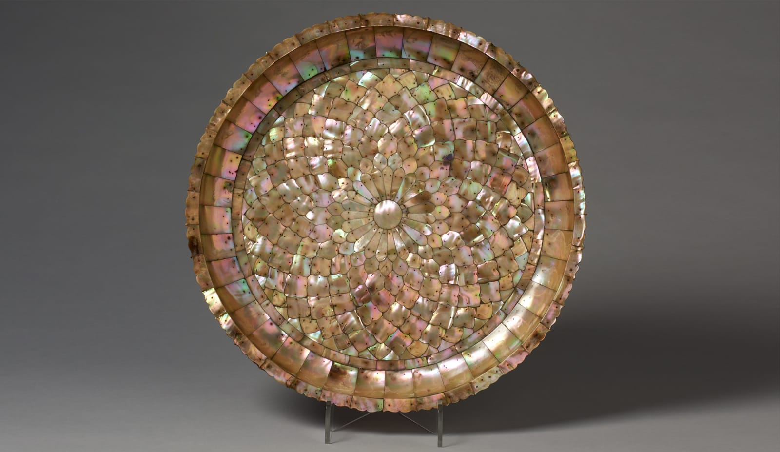 Large Basin in Mother-of-Pearl, India, Gujarat, circa 1600, for the European market