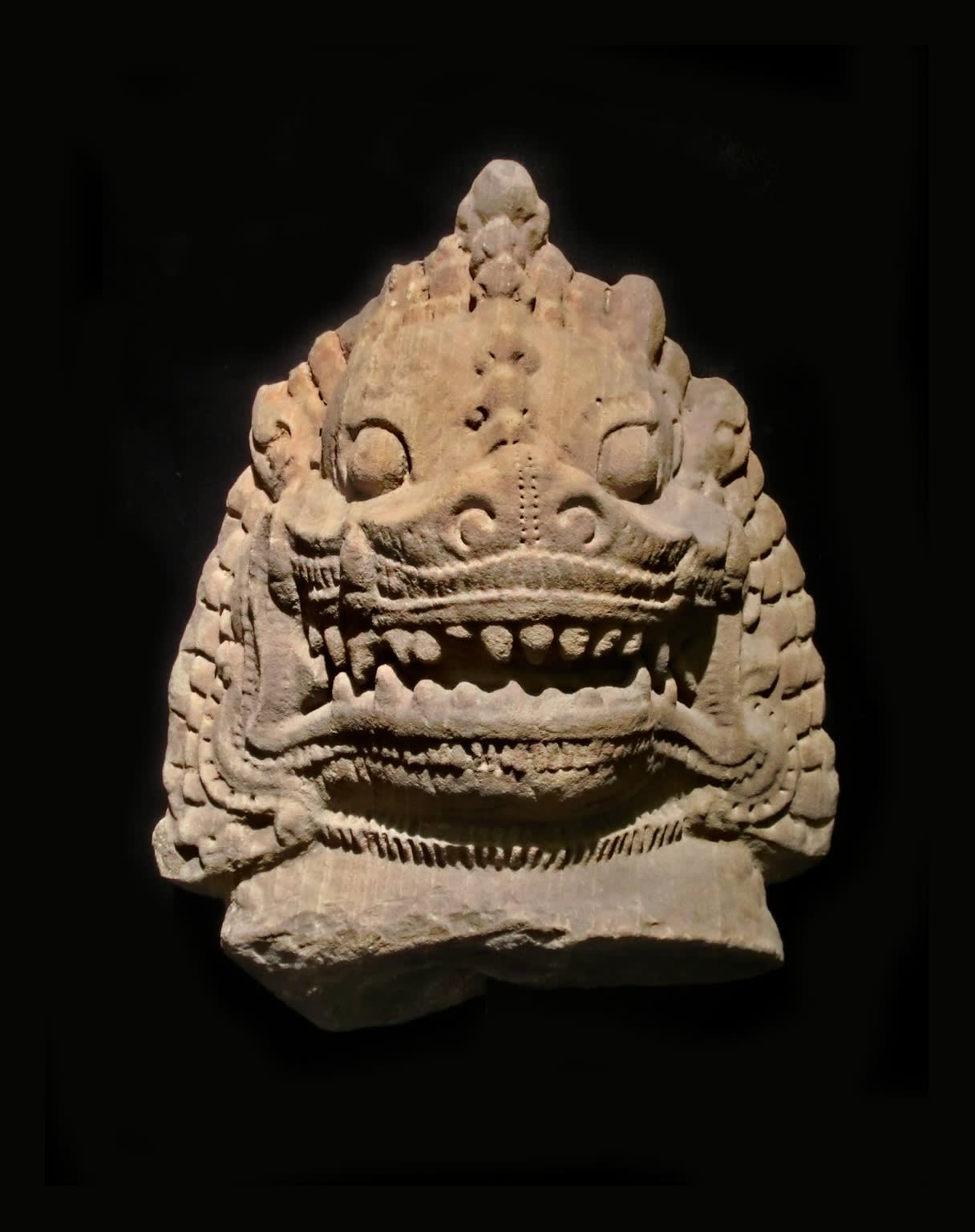 Khmer Art, Tête de lion, 13th century