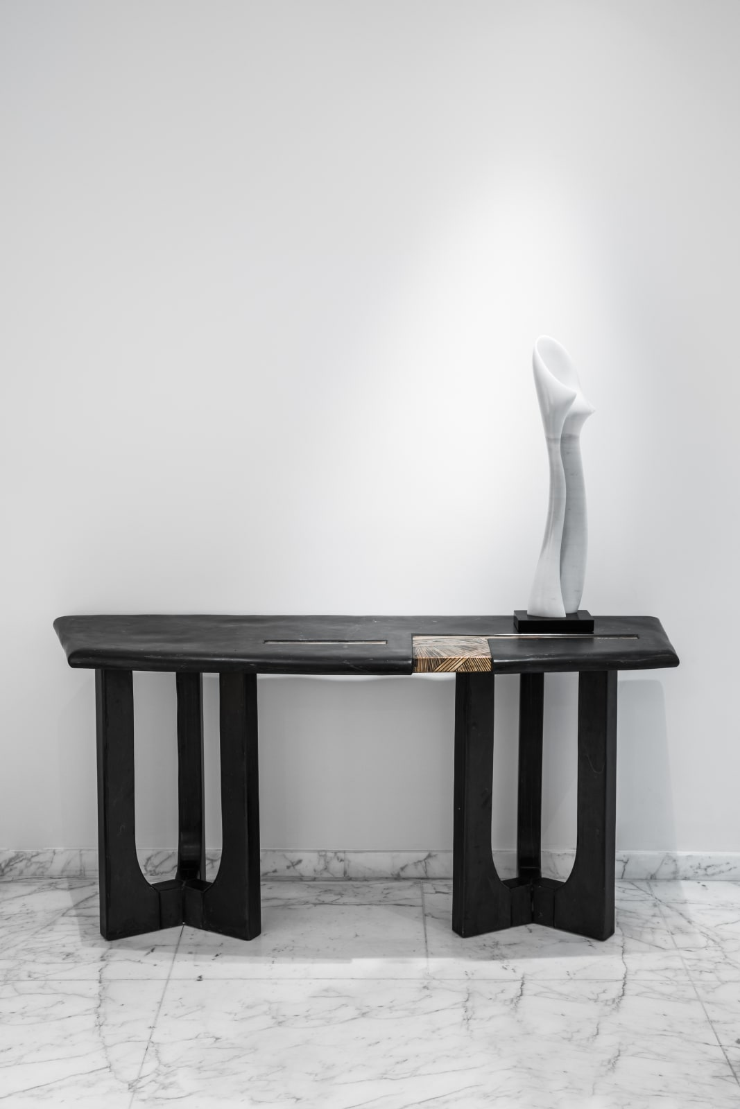 Console, Emmanuel Jonckers Effeuillage Sculpture, Florian Cabrera