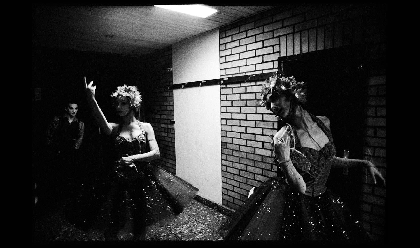 The Ballet of the Mirror-Neurons