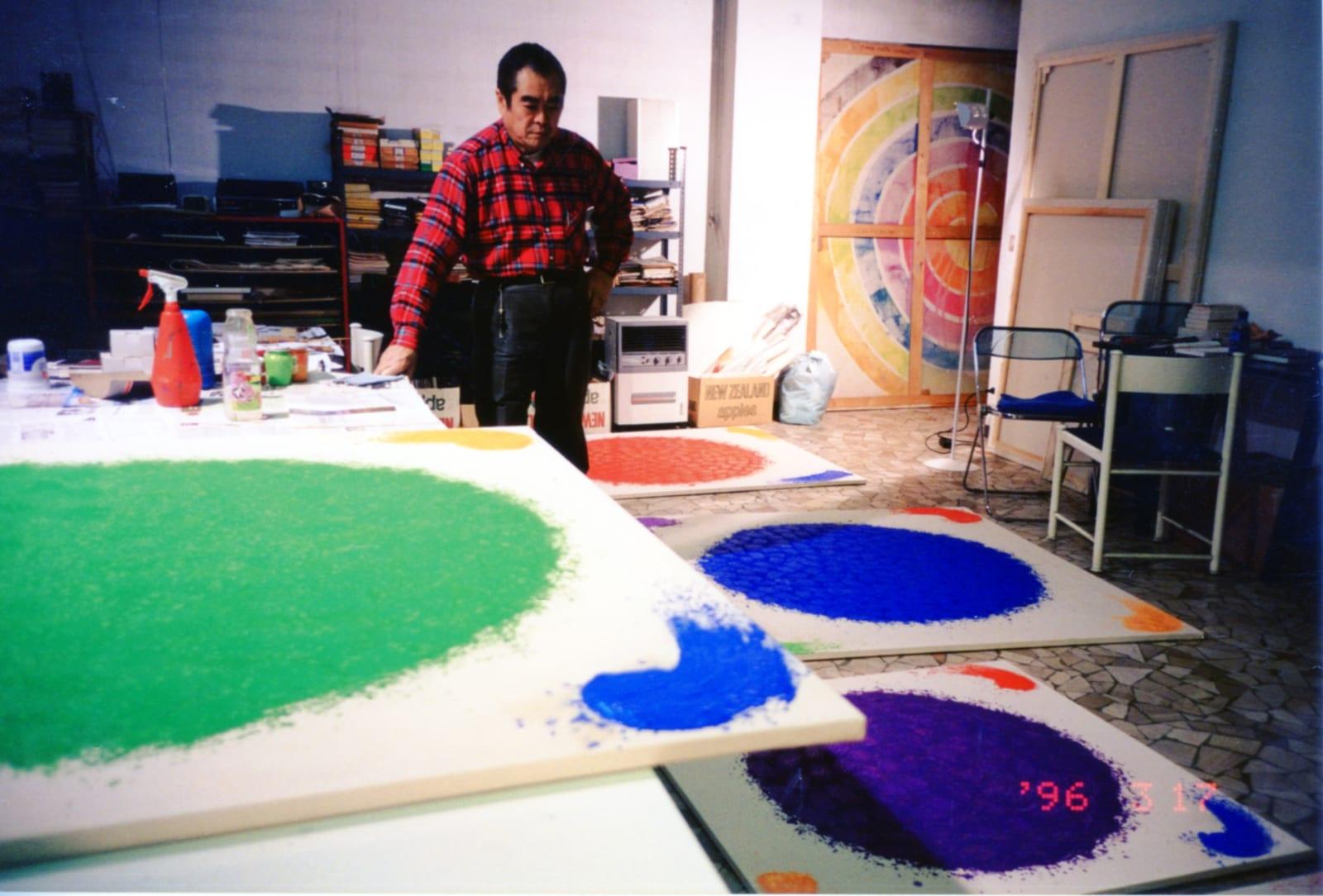 1996, Hsiao Chin in his Milan studio 1996年蕭勤於米蘭工作室