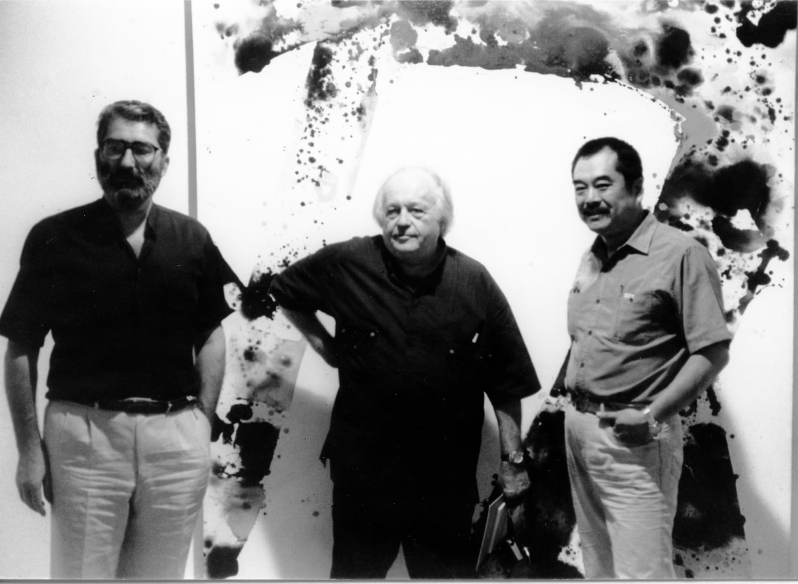 1983, G. Marconi (left), Sam Francis (middle), and Hsiao Chin 1983年馬爾各尼(左),山姆·法蘭西斯(中),蕭勤