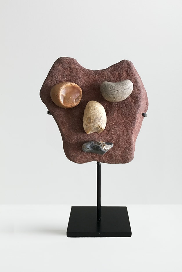Peter Liversidge Effigy (5), 2017 Found stones, hot glue and metal stand 12 x 11 x 3cm (excluding stand)