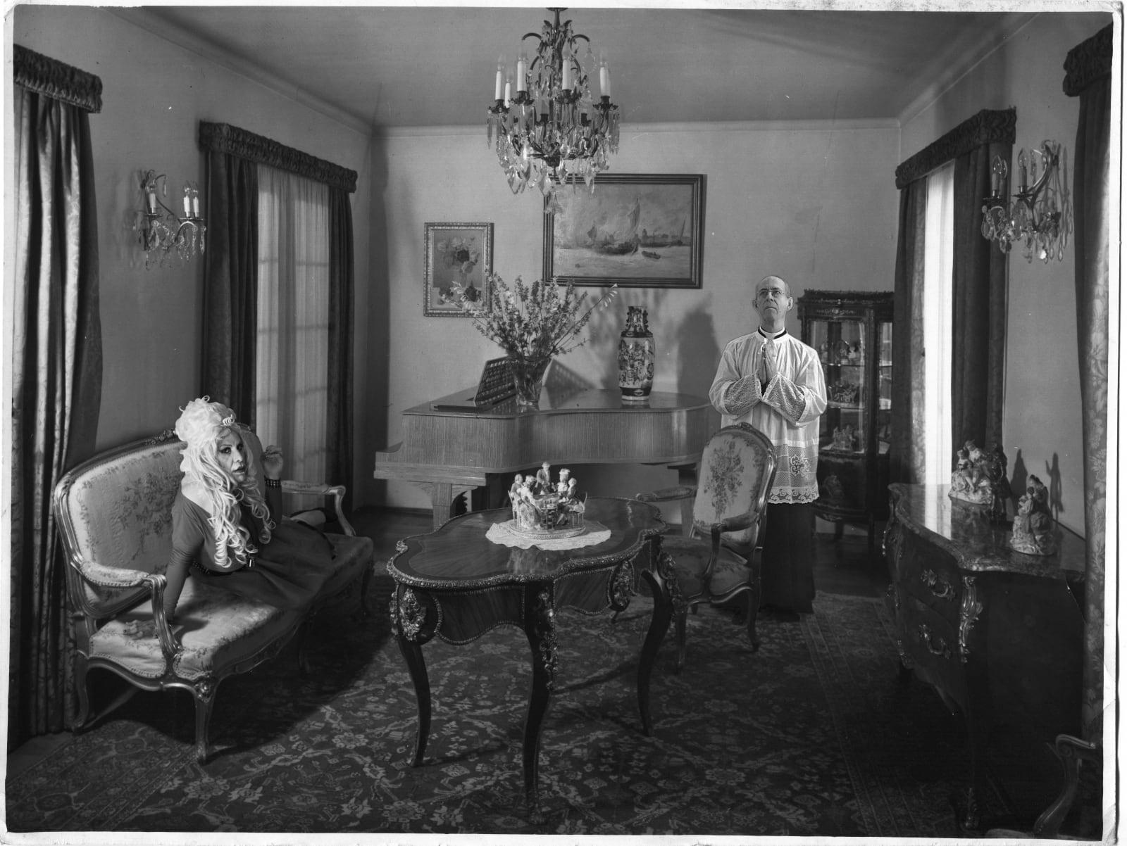Juvenal Barría, Ficciones Interiores n° 4, 2016, Digital montage on found vintage photograph, digital print on Epson Luster Premium, old plaster frame, 55 x 77 cm. Limited edition, 1 + AP.
