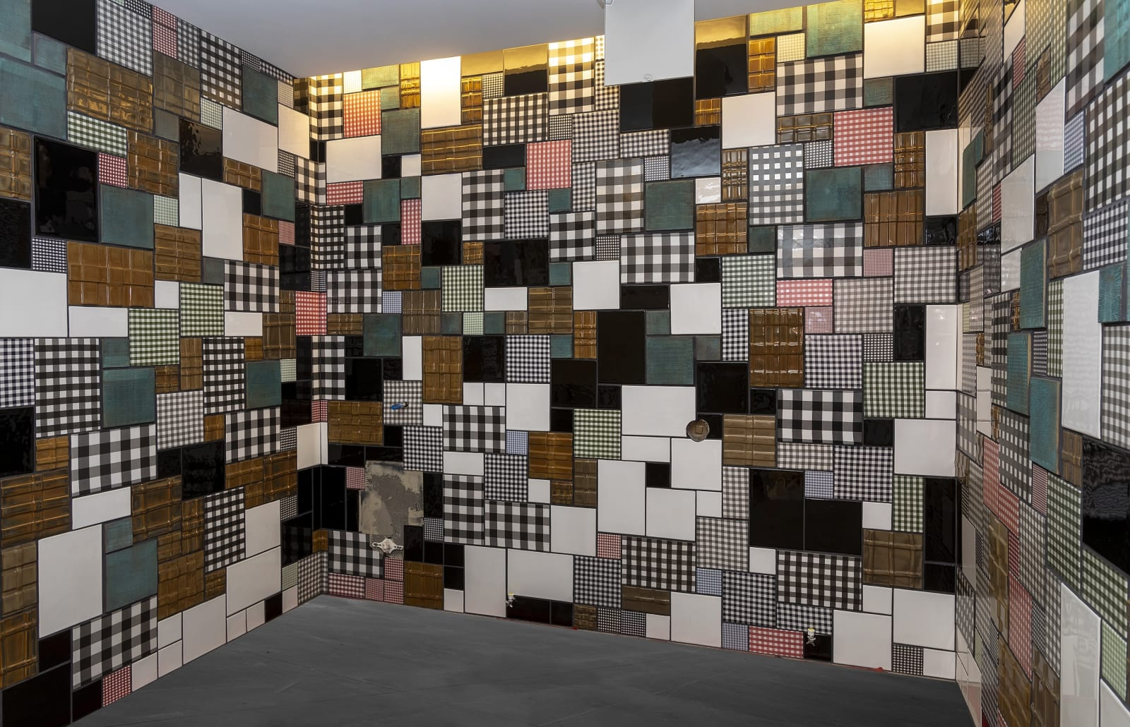 Installation view, Michelle Grabner, Site-specific installation for the Arts Preserve at the John Kohler Arts Center, Sheboygan, WI, 2020