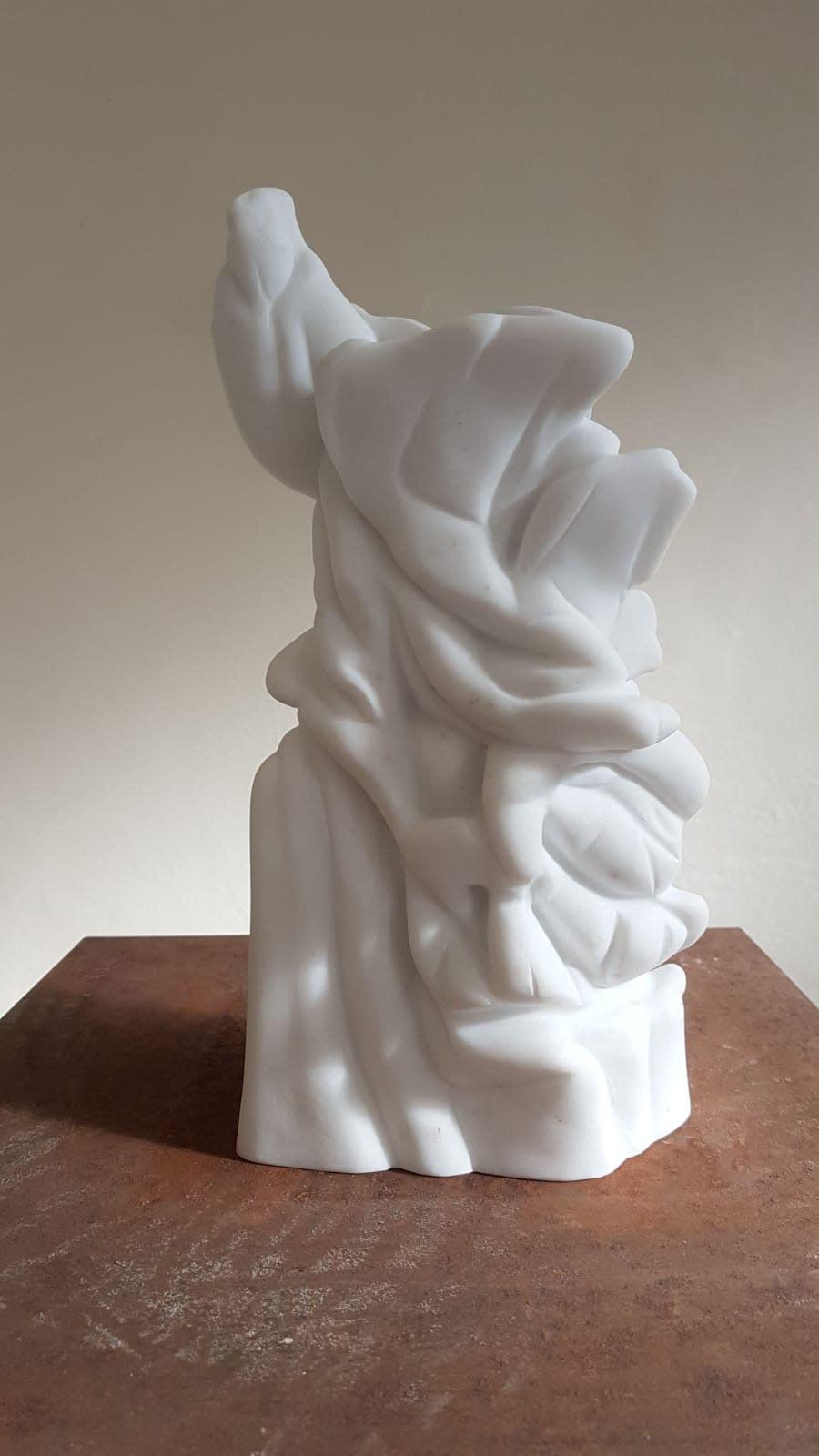 Richard Stone, sentinel, 2019 Statuario marble 30 x 18 x 15 cm