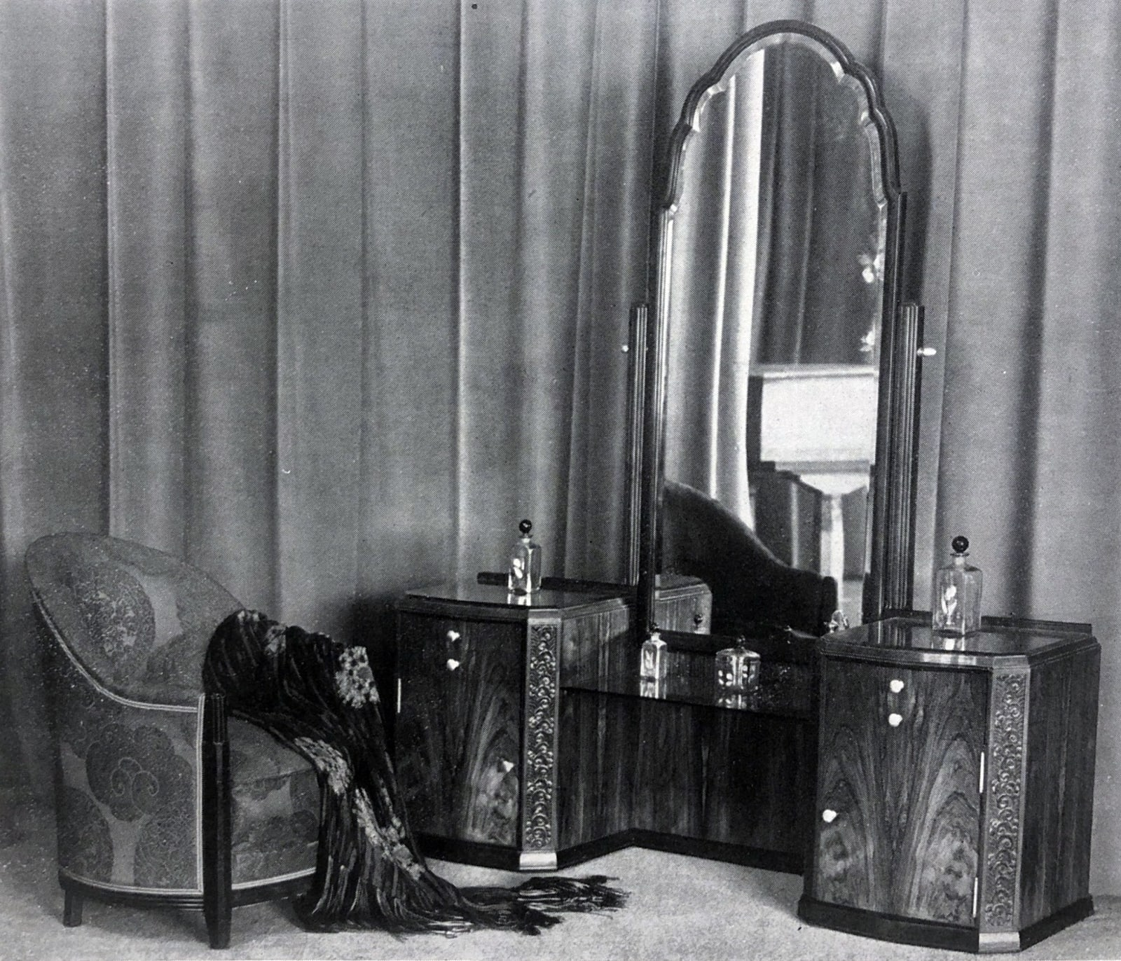 Art Deco furniture by DIM Paris, 1925