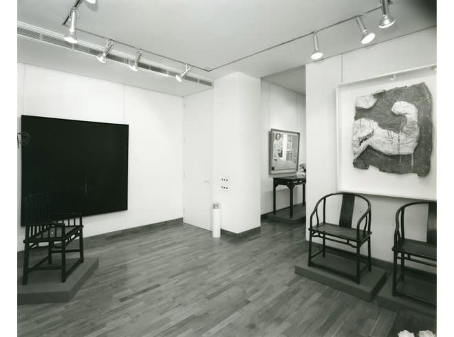 AMERICAN PAINTINGS WITH CHINESE FUNITURE Installation View