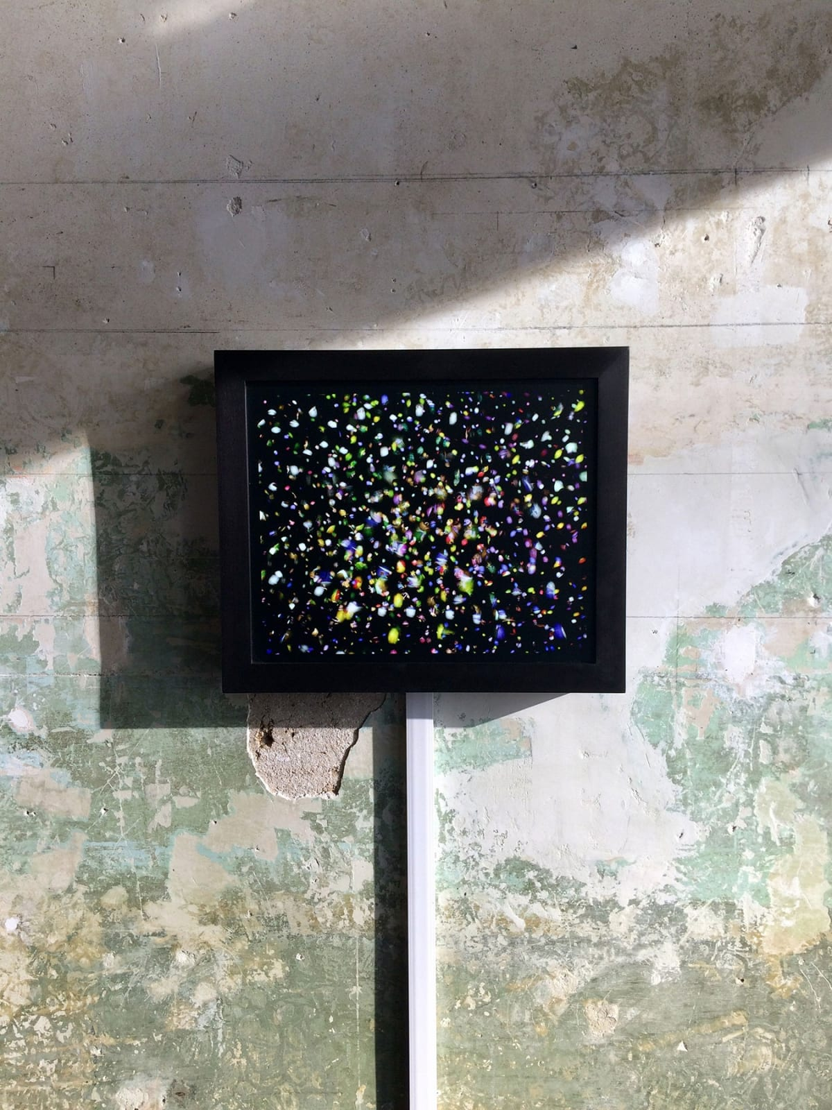 Fragmented painting light box