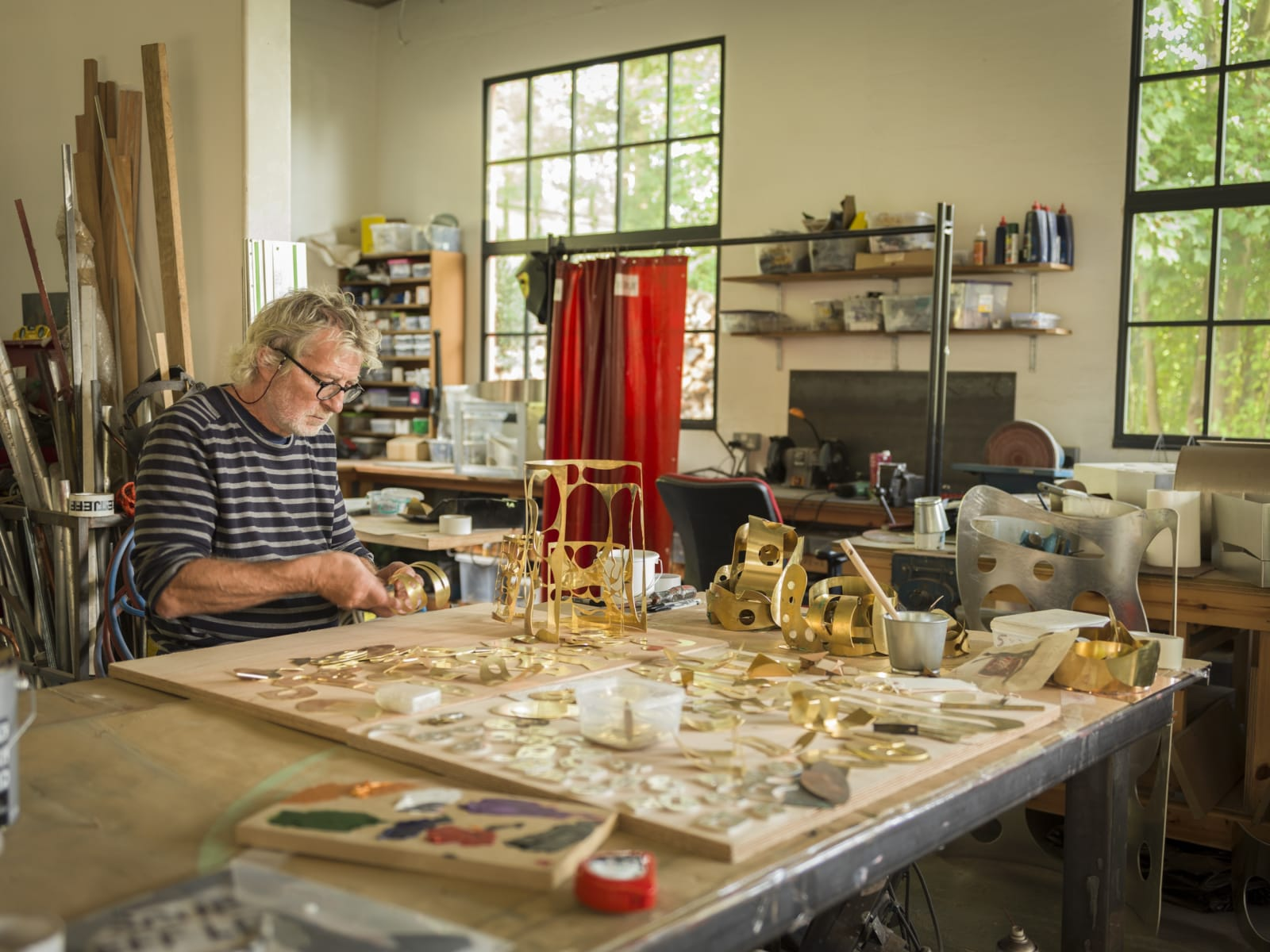 NEW film To celebrate his upcoming exhibition at Pangolin London - Jeff Lowe: In The Close Distance - the artist has commissioned a new film documenting his life making sculpture.