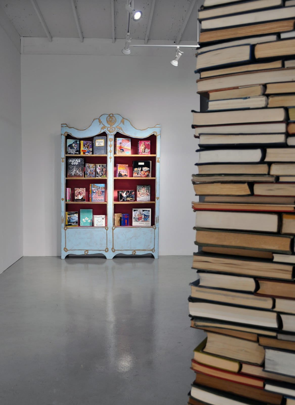 BOOK / HOUSE