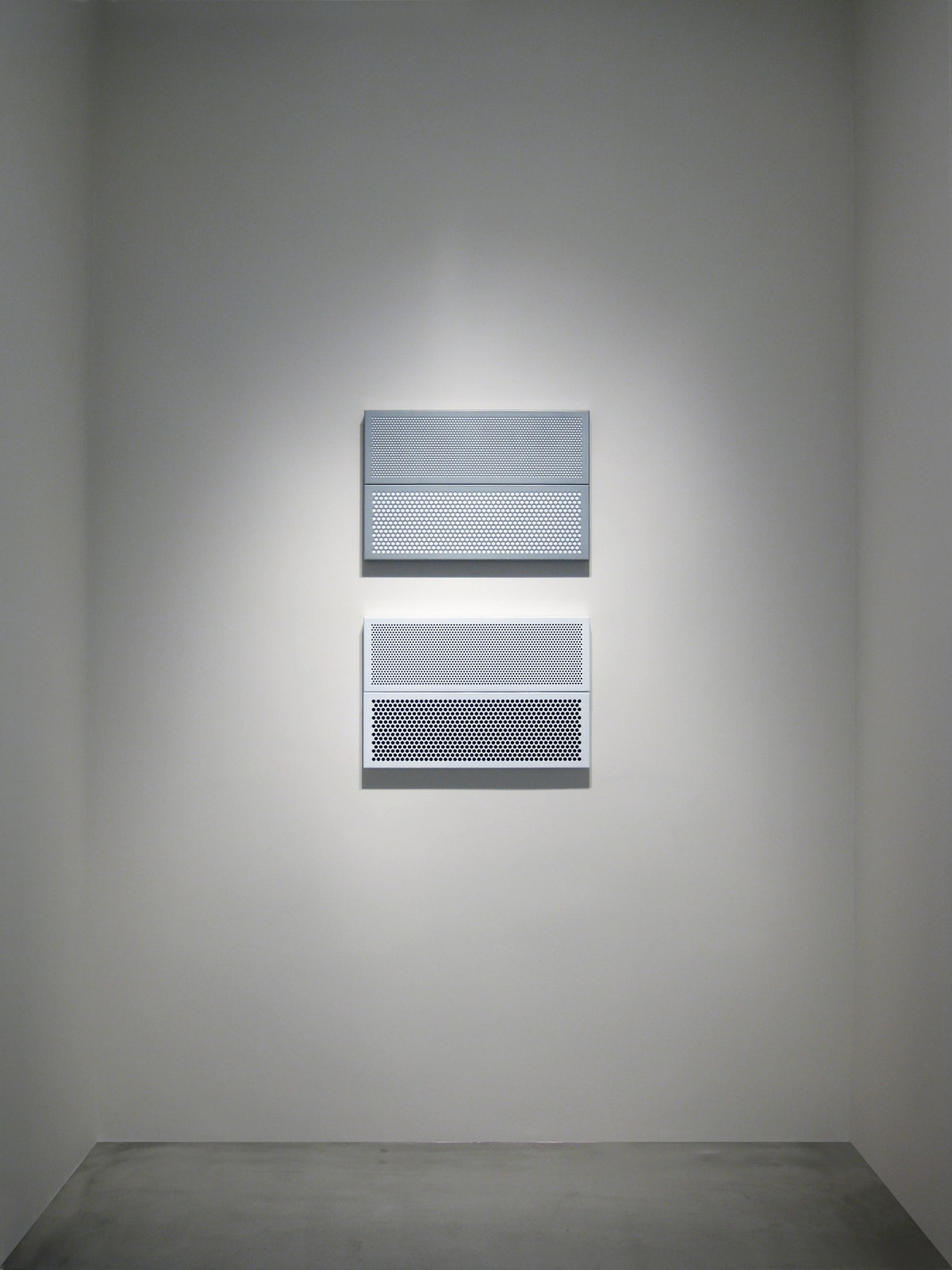 KRISTJÁN GUDMUNDSSON | Paintings in Gray and White Frames