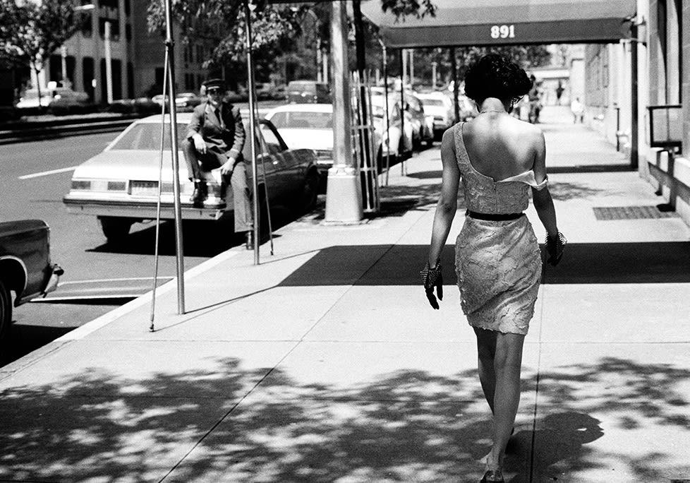 Arthur Elgort, Wendy Whitelaw on Park Avenue, 1981