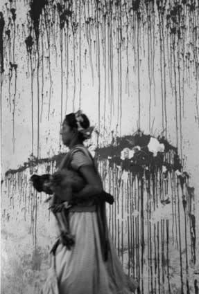Graciela Iturbide Los Pollos Juchitán, México, 1979
