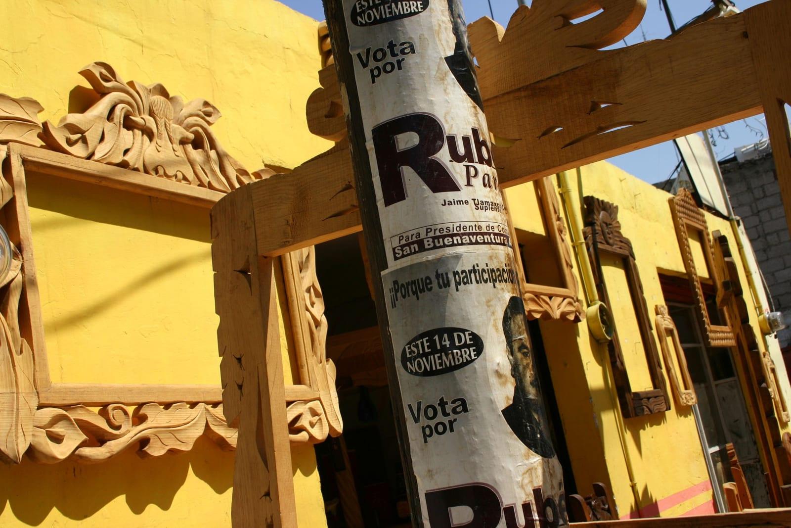 Yolanda Andrade Marcos para pinturas, Ciudad de Mexico (Tlaxcala), 2004
