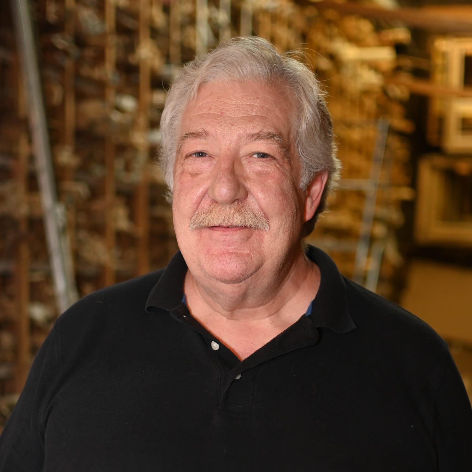 Richard Watzulik Framer, Carver