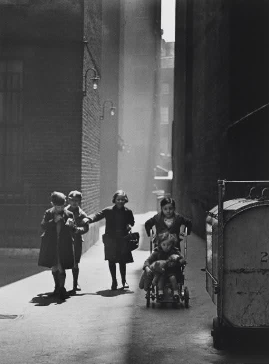 Backyard, Charing Cross Road, 1936