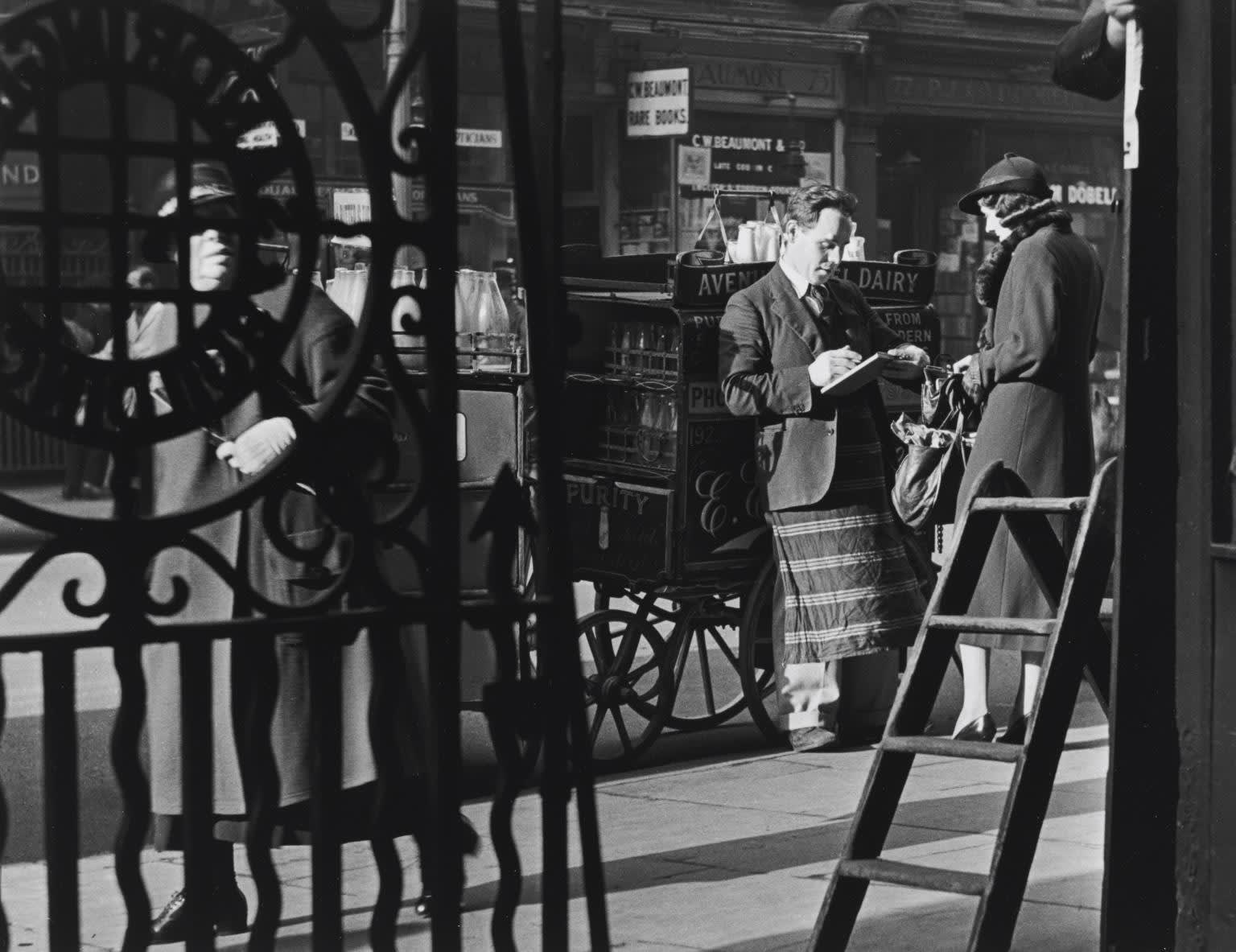 Charing Cross Road, The Weekly Bill, c.1937