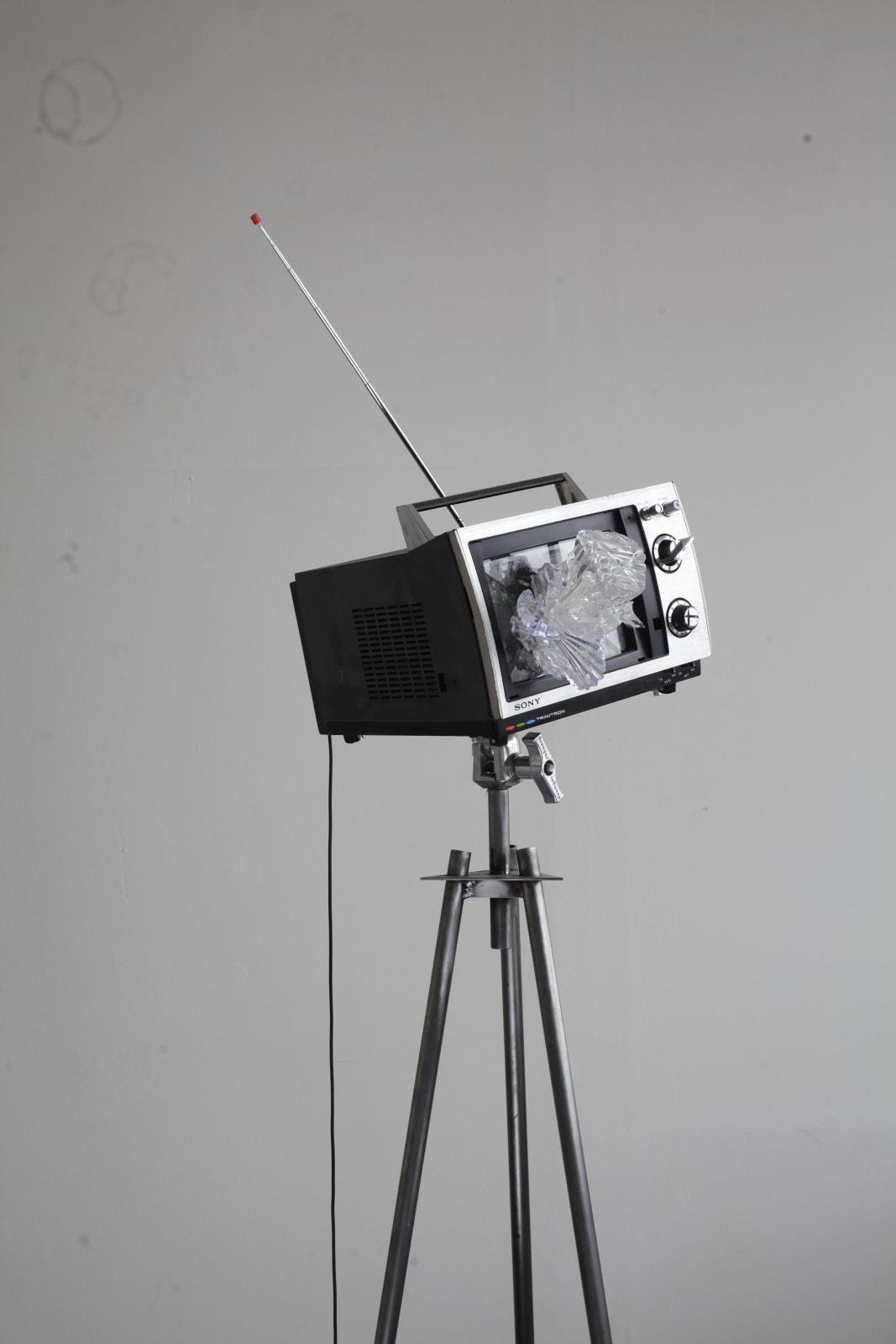 Richard Weisner, Sony, 2017-2018, tv, mixed media, glass, cm 50 x 35 x 40, tripod cm 60 x 60 x 160