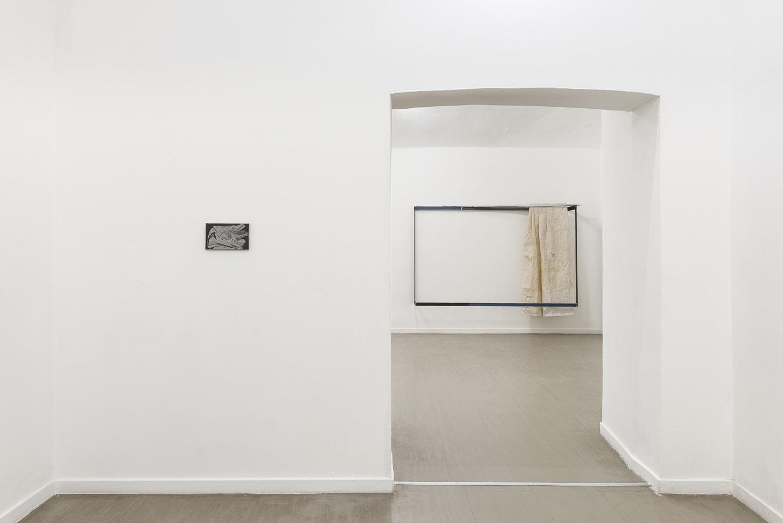 Verticale terra Fabrizio Prevedello / Michele Tocca Curated by Davide Ferri Installation view of the second and third room Ph. Sebastiano Luciano