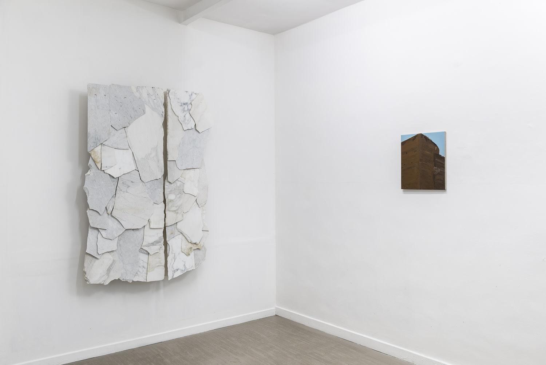Verticale terra Fabrizio Prevedello / Michele Tocca Curated by Davide Ferri Installation view of the first room Ph. Sebastiano Luciano