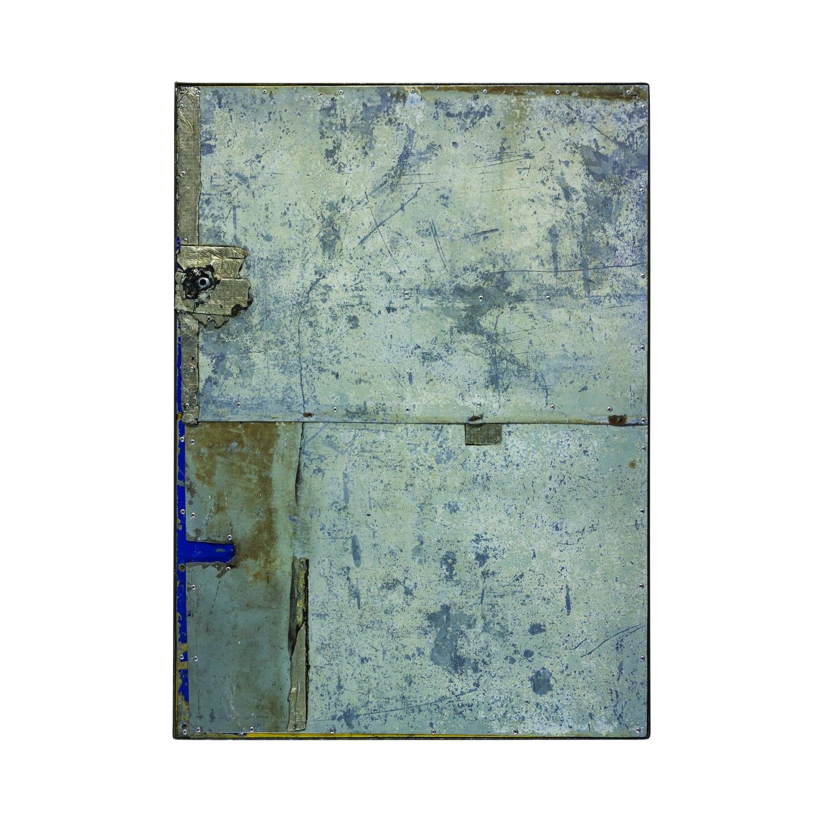 Marc do Nascimento Grundrisse 02, da série questão de ordem (2018) aço, alumínio, esmalte sintético, manta asfáltica, ferragens 100 x 90 x 4 cm