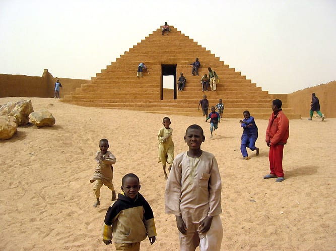 """<a href=""""/content/feature/380/detail/image18584/"""" class=""""pageload-link-type-popup-enabled-content""""><p class=""""cms_size_1""""><em>Makaranta</em><span>, 2003, Agadez, Niger. Image by</span><span>Not Vital</span></p></a>"""