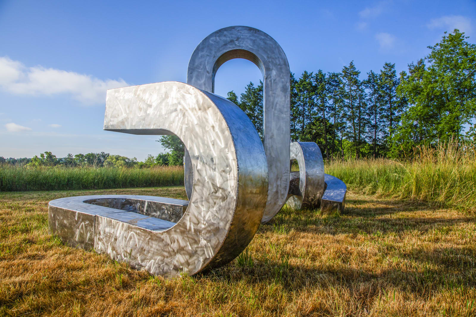 """<div class=""""additional_caption"""">'Song of the Broken Chains', 2020. Stainless steel. Approx. 243.84 x 548.64 x 365.76cm (96 x 216 x 144in)</div>"""