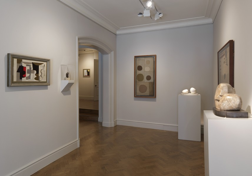 Front Gallery (Clockwise) : Ben Nicholson, Florentine Ballet (1934), Barbara Hepworth, Single Form (1934), Ben Nicholson, Composition (1939), Ben Nicholson, Six Circles (1933), Barbara Hepworth, Two Forms (1935), Ben Nicholson, Guitar (1932) and Barbara Hepworth, Two Heads (1932)