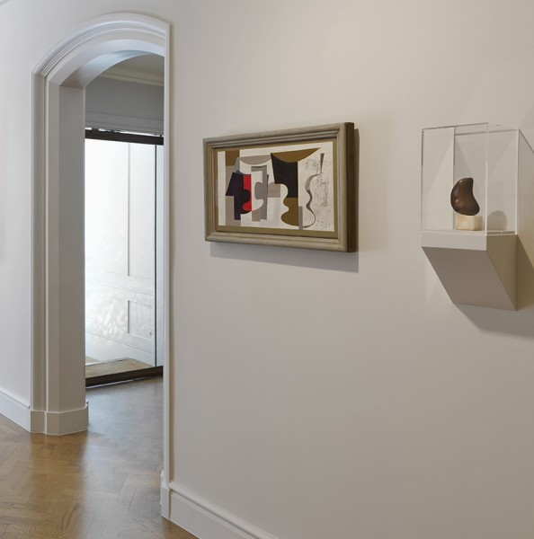 Front Gallery (Left to Right) : Ben Nicholson, Florentine Ballet (1934) and Barbara Hepworth, Single Form (1934)