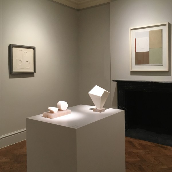Back Gallery (Clockwise) : Ben Nicholson, White Relief, Square and Circles (1934), Ben Nicholson, Painted Relief - Version I (1940),  Barbara Hepworth, Form (1936) and Barbara Hepworth, Two Forms (1934-35)
