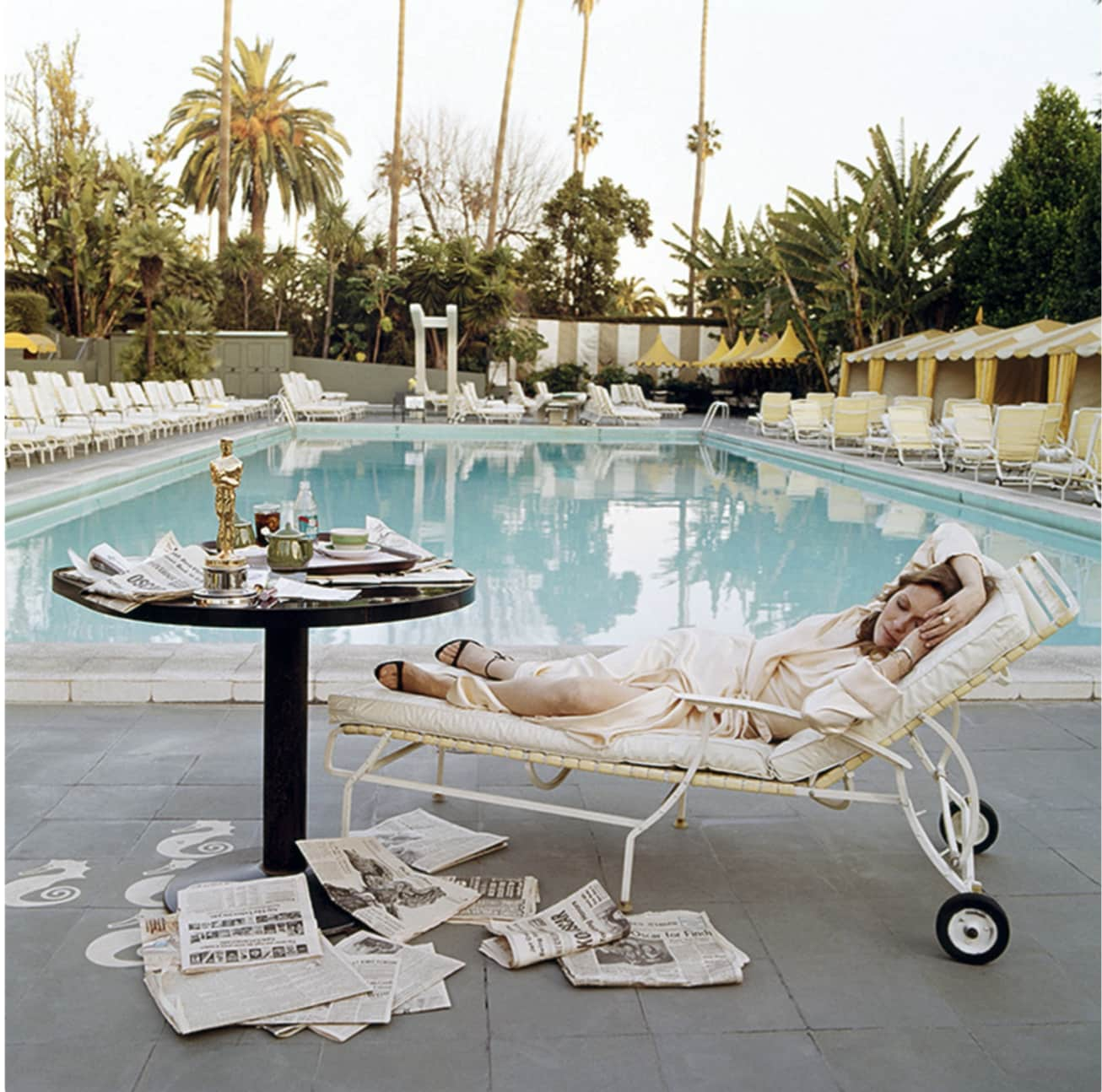 Terry O'Neill, Faye Dunaway at the Pool, 1977