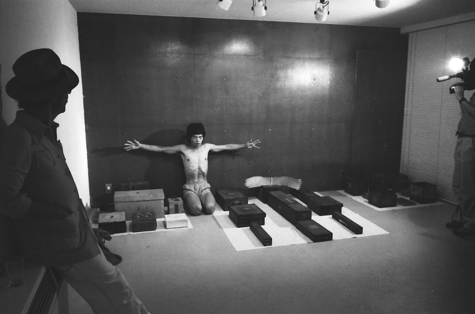 Mitsutoshi Hanaga, Matsuzawa Yutaka's Sculpture with Performance, n.d.